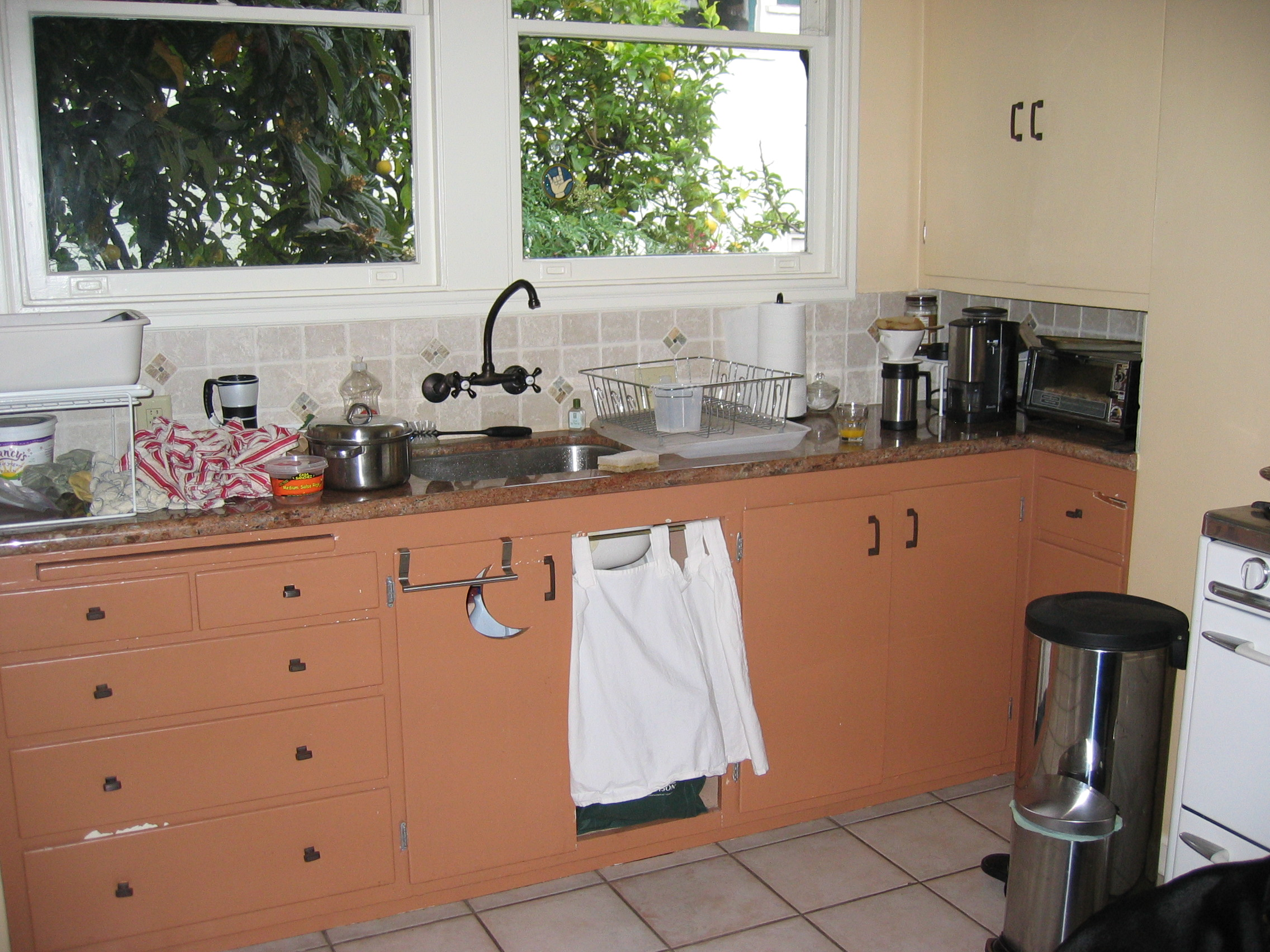 Uncategorized 1930s Kitchen Appliances could you would rescue this 1930s kitchen httpcityhomestead files wordpress com200901img 0870 jpg